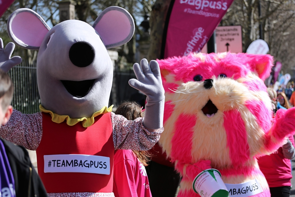 Bagpuss goes the extra mile for Hospices of Hope