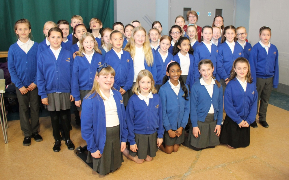 Woodlands Primary choir are roaring success with Tonbridge Lions