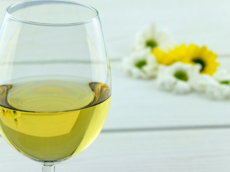 5 white wines perfect for spring