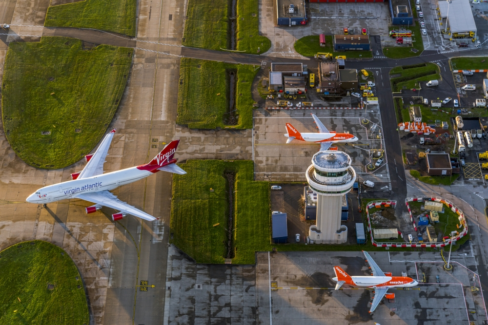 Gatwick could use emergency runway to allow more flights