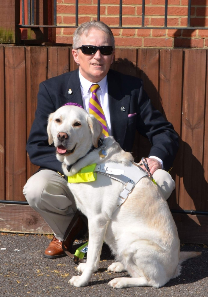 Cab driver loses licence after blind man's guide dog refused