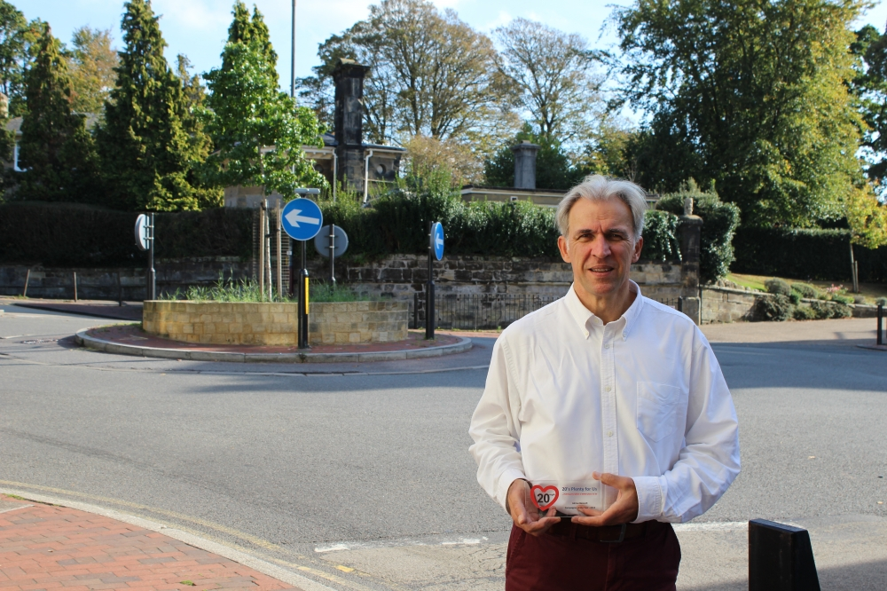 Award for campaigner who created 20mph signs on 50 roads