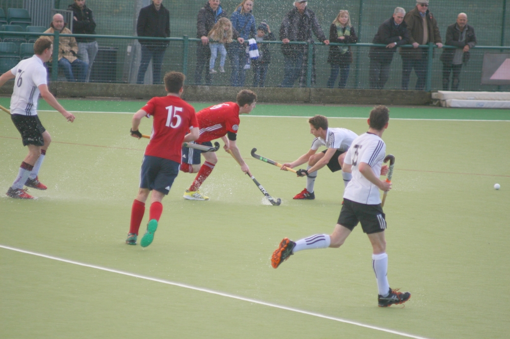 Hockey: Beck saves day for Tunbridge Wells in closely fought division