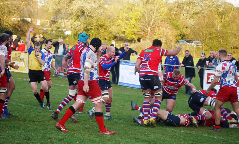 Rugby: Coxon-Smith edges frantic battle for Tonbridge Juddians