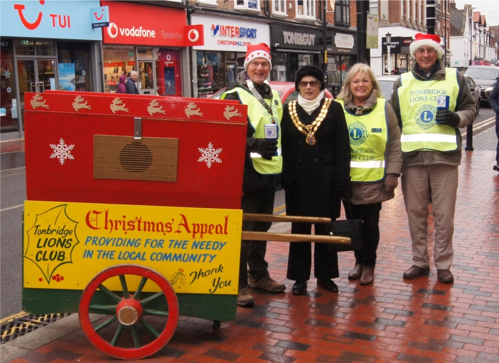 Christmas is a barrel of laughs for Tonbridge Lions