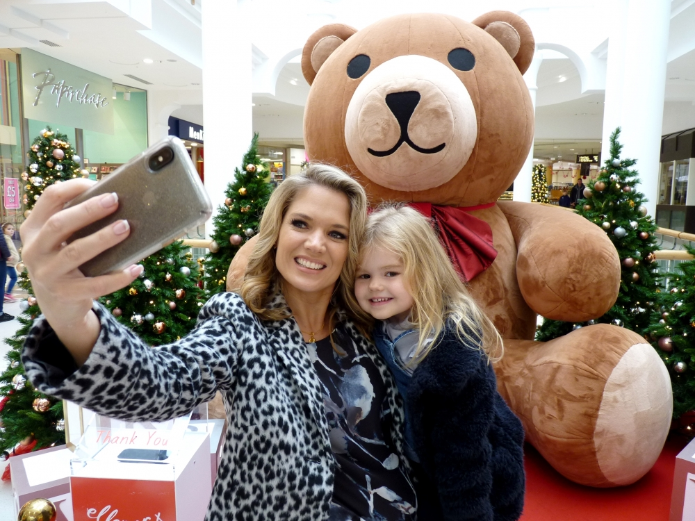 Selfie control as Good Morning Britain presenter backs charity