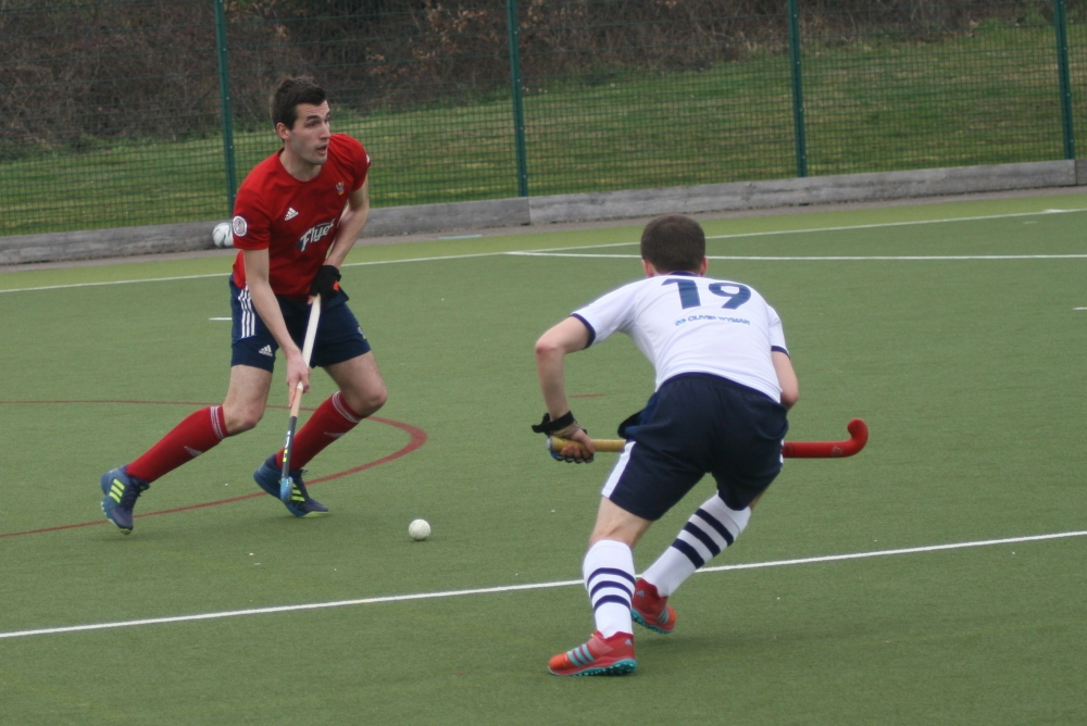 Hockey: Spencer prove too strong for Tunbridge Wells