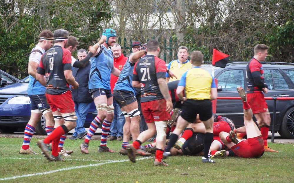 Rugby: Tonbridge Juddians half-backs run show at Old Redcliffians