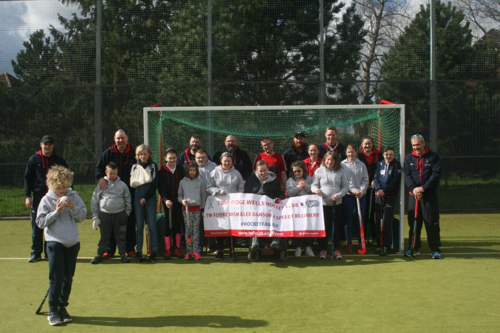 Disabled hockey Flyerz send get well message to Alex Danson