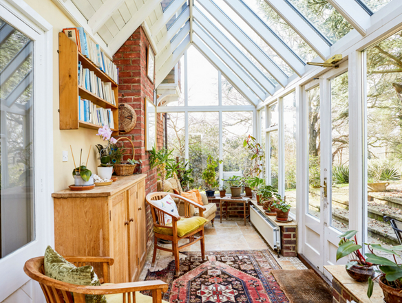 The Cottage in Tunbridge Wells benefits from a gorgeous, bright garden room