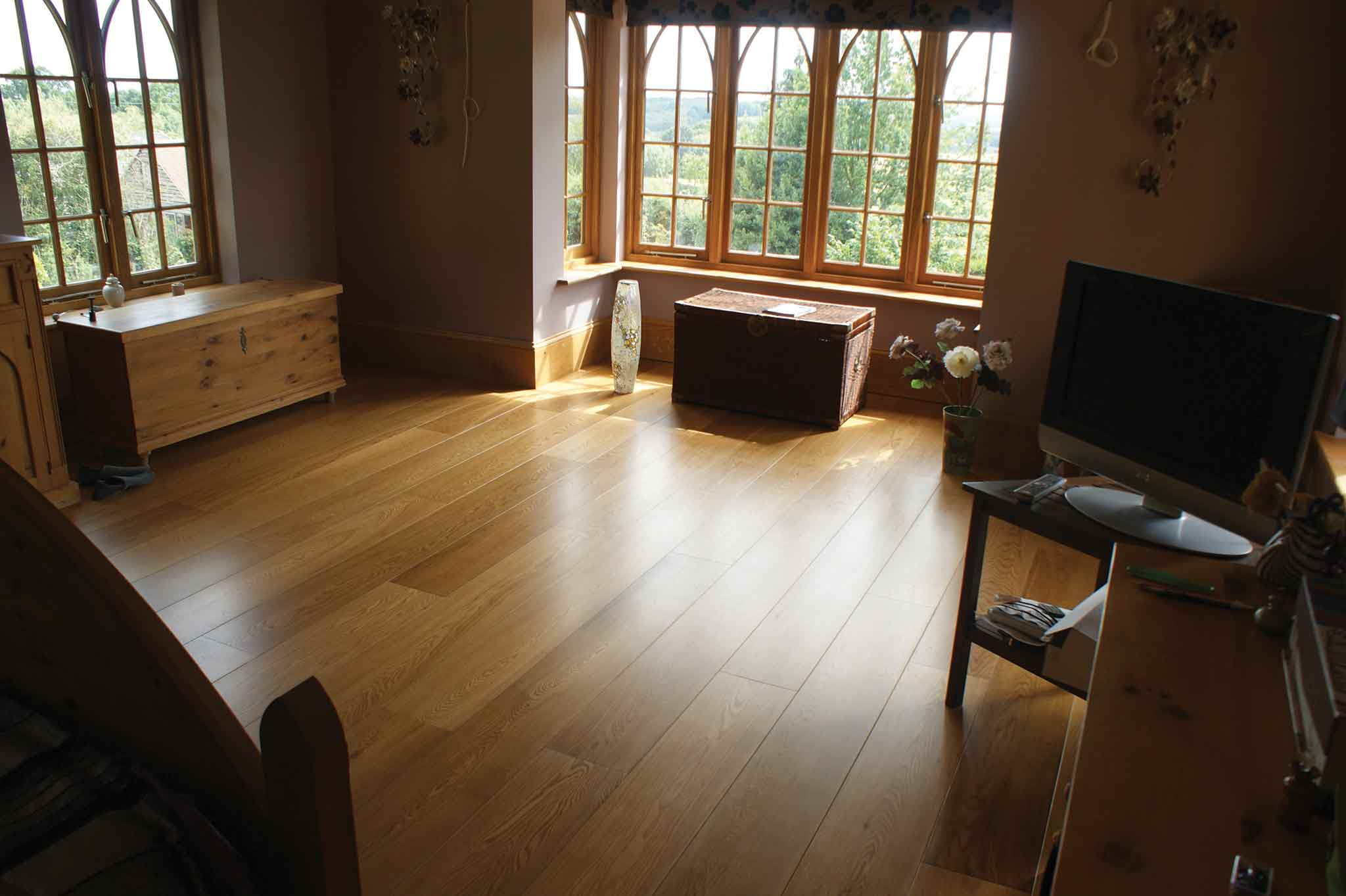 Round Wood of Mayfield Flooring