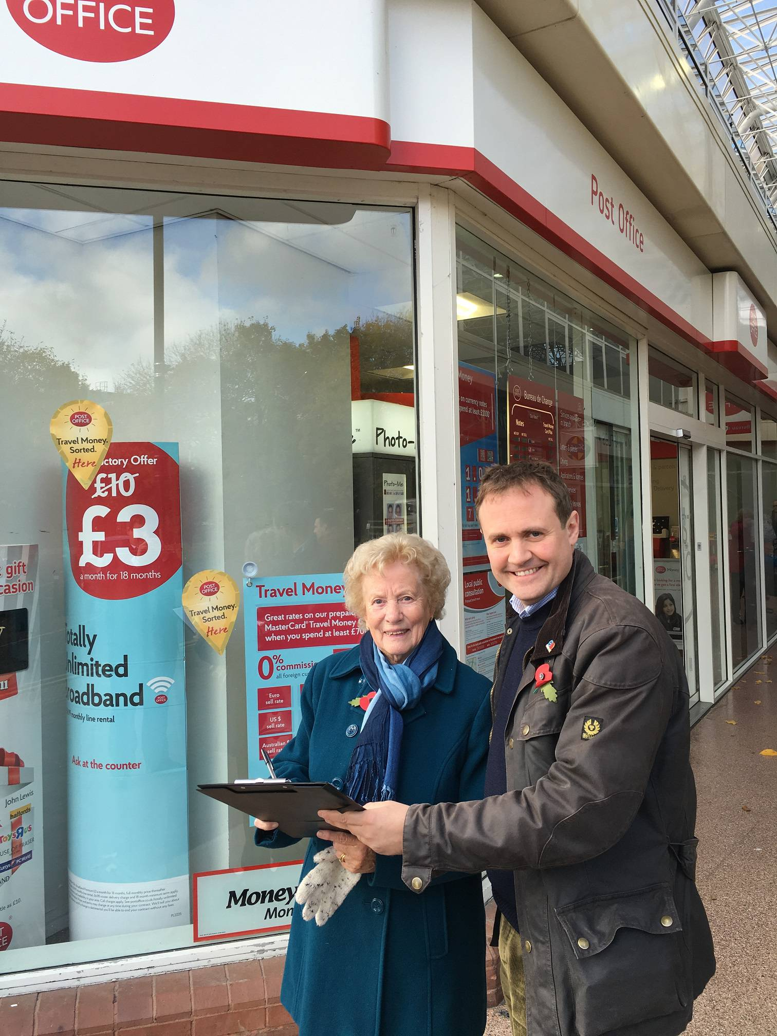 Tom Tugendhat MP with Mrs Lewis who signed the petition