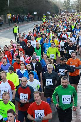 ROAD CONGESTION Some 2,000 runners set off down St John's Road